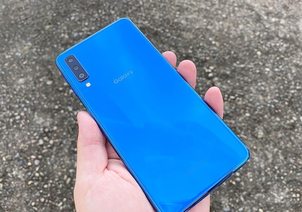 Galaxy A7の実機画像